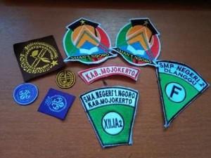 jual-badge-sekolah-di-madura-produksi-badge-logo-di-madura-jual-atribut-sekolah-murah-di-madura-jual-dasi-sekolah-murah-di-madura-jual-sabuk-sekolah-murah-di-madura